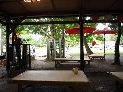 奈良公園の茶店(わらび餅屋)