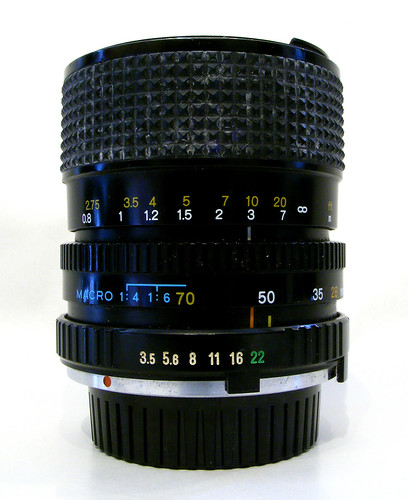 Minolta 28-70mm F3.5-4.8 MD Zoom Lens