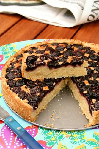 Torta de cerezas y mazapán