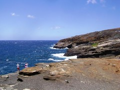Road Side Stop, Near Hanauma Bay  (9) (Herb In Hawaii) Tags: road blue sea sky cliff usa water clouds island hawaii bay rocks waves state pacific oahu deep windy pacificocean hanaumabay hanauma herb tides sunnyday bluesea hwy72 kalanianaolehwy
