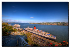 Queen Mary 2 (Louis Lalibert Photographie) Tags: cruise canada river nikon qubec soe queenmary2 hdr vieuxport fleuve villedequbec photomatixpro terrassedufferin photoshopcs3 nikond40x theperfectphotographer louislalibertphotographie