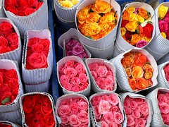 Ready to go.. (suz kosh) Tags: flowers flowermarket indianflowers coloursofnature flowersofindia flowersonsale rosesofsale packedflowers
