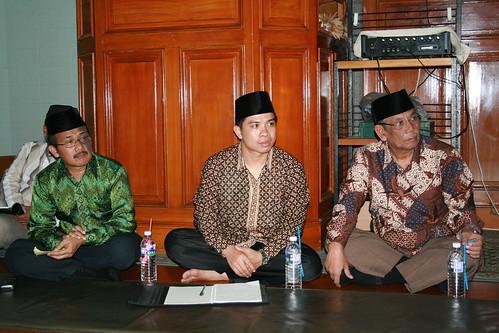 Diskusi Bersama Hasyim Muzadi di Masjid Besar Taipei