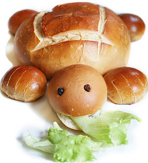 Turtle Bread (RR) Tags: food pets playing cute art bread fun interestingness pain with turtle reptile humor shell tasty explore just lettuce seca tortuga uva edible po crusty tartaruga raisin tortue because anthropomorphic playingwithfood schildkrte alface anthropomorph aremore explored antropomrfico partofthe antropomorfico anthropomorphe spreadhumorcoalition brincandocomacomidablog