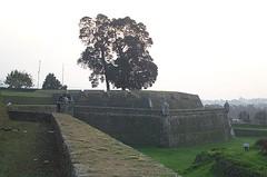 Vista muralla de la Fortaleza Valena (ReservasdeCoches.com) Tags: portugal fortaleza mio valena reservasdecochescom