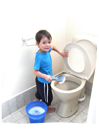Sean (3.5yo) Cleaning the Toliet