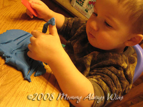 1217_playinplaydough
