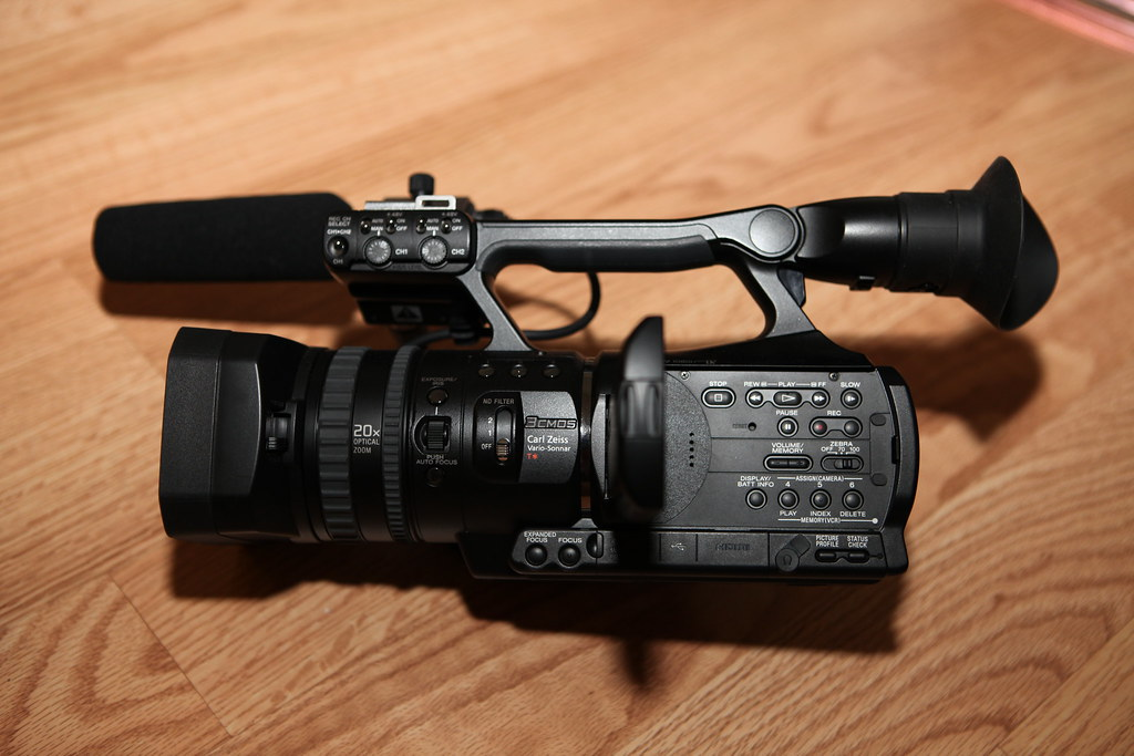 Sony HVR V1U kit for Sale