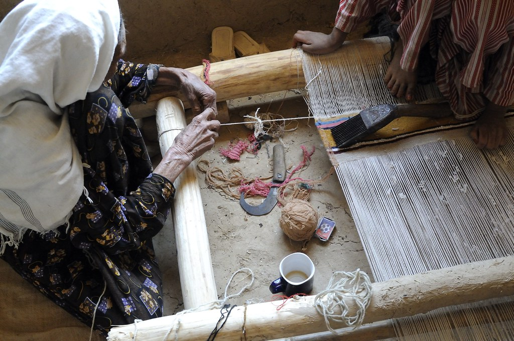 UNHCR News Story: Weaving themselves back into the Afghan social fabric