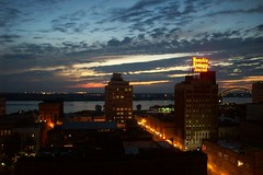 Memphis is beautiful ---> if you look really hard (courtneysmilestoo) Tags: memphis peabody citysunsets