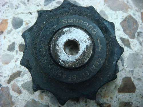 Pulley wheel, well-worn after 45.000 km...