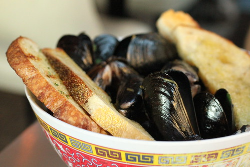 Wok-roasted mussels with lemongrass 2
