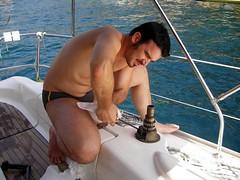 Dannato winch! (*Tom [luckytom] ) Tags: sea tom boat barca mare working vela winch alessandro lavoro capitano ctm riparazione favcol costumino luckytom
