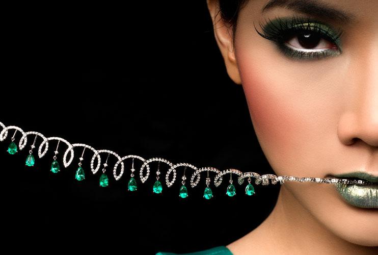 2424150529 63b42fda7b o - Superb Emerald Jewellery Photoshoot