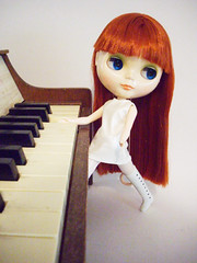 tori amos (sugar-cookie) Tags: doll blythe toriamos dolly toypiano blythedoll jaymar heroescontest