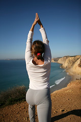 Warrior pose towards Sagres (Algarve Yoga) Tags: portugal photographer algarve padma ayurveda yogaonthebeach ioga yogaretreat surfcamp thaiyoga montevelho dianajost samhinks yogaasanas cenrio yogaforsurfers doranogueria yogaoncliffs