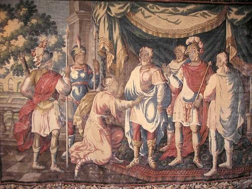 07-Tapisserie du château de Chinon (France) représentant Jeanne d'Arc reconnaîssant Charle VII parmis la foule