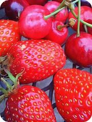 (alterna6969) Tags: fruits fruit cherry strawberry