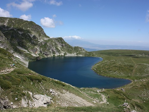 "Бъбрека Езеро (The ""Kidney"" Lake)"