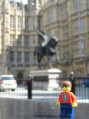 Where in the world is Andrew? (Dunechaser) Tags: uk greatbritain england london statue king lego unitedkingdom housesofparliament parliament minifigs equestrian richardi minifigures sigfig dunechaser richardthelionhearted richardlionheart brothersbrickcom richardcurdelion