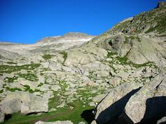 El Tuc de Mulleres (3010 m.) (Pere Ramon) Tags: mountain nature sport de high hiking peak natura pic catalonia pico tres alta catalunya montaa 3000 catalua pyrenees catalan muntanya mil tuc pirineo treking pyrenean catal pirineu muntanyisme montaismo esport paisa catalonian mulleres molires ascensi pirenaico pirenaic