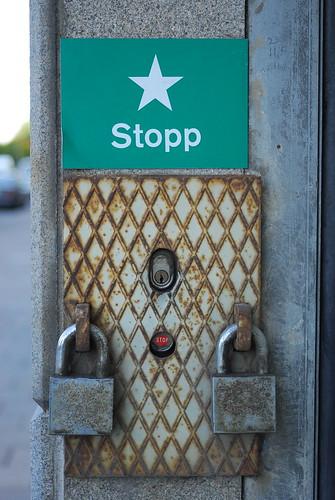 ★ Stopp