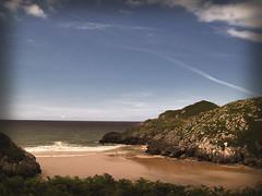 aquel largo y clido verano (Bous Castela) Tags: mar playa paisaje arena verano llanes celorio ltytr1 themostofthemost playadesanmartin bouscastela
