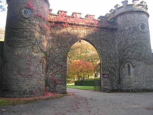 Main gate to Stourhead House