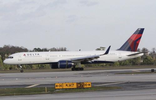 Delta Air Lines 757-200