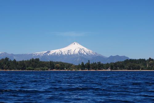 Volcán Villarrica, desde Lago Caburgua