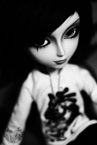 Cold Stare: Damien (by ♠ R u i ♠)