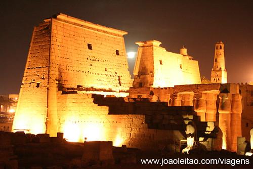 Tebas Antiga e sua Necrópole Egipto