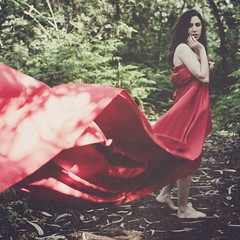Week 19  In Red (Ana Lusa Pinto [Luminous Photography]) Tags: red portrait selfportrait green love girl forest flow wind cloth week19 1952 52weeks