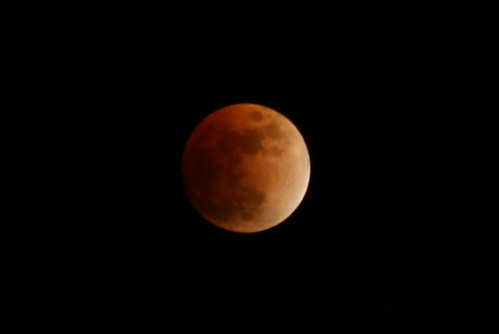 Lunar Eclipse 200% crop