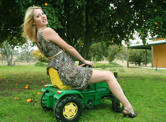Deere John ? (beeater) Tags: models nsw johndeere weejasper australianmodels beautifulaustralianwomen cooradigbeestation canberramodels toyswithprettywomenonthem emmaromyshootweejasper modelsinthacountry shootingtwomodels