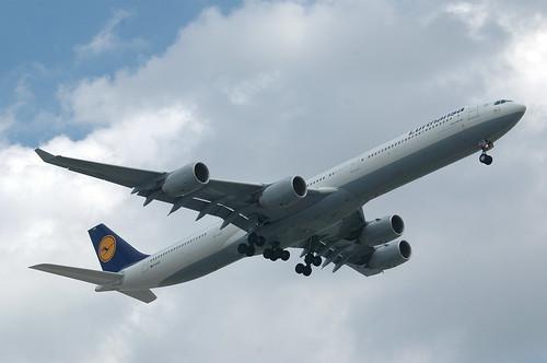 Lufthansa Airbus A340-600 D-AIHS