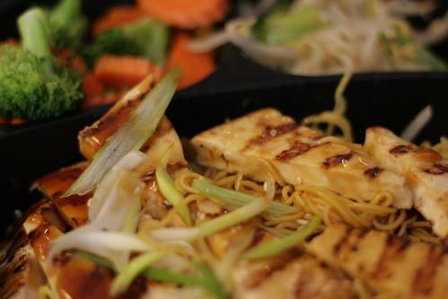 Tofu lo mein