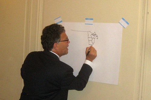 Al Franken draws US map from memory – recursion by Luke Francl