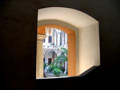 contrasto (s#nia) Tags: finestra luce buio contrasto