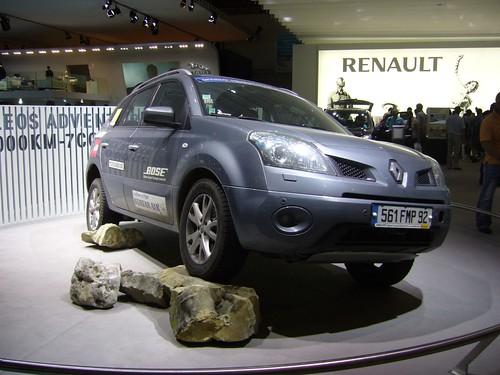 Renault Koleos 2011. Renault Koleos
