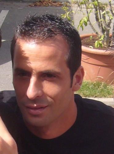Ludovic Giuly (PSG) signe des autographes au Camp des Loges