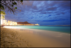 Waikiki moonlight (Kanaka Menehune) Tags: ocean longexposure sky tree beach night clouds hawaii waikiki oahu palm diamondhead moonlight hotels