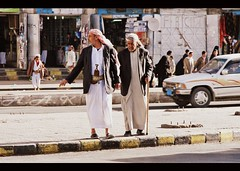 (Creative_photography) Tags: old man yemen february sanaa aak crossingtheroad poorlife triptoyemen fatherhisson