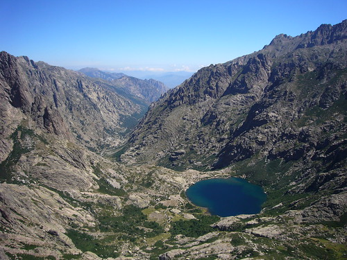 19 Lago Melu y Valle Restonica desde cima Punta alle Porta