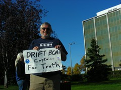 Drift Boat Captains for Truth (yksin) Tags: alaska politics rally protest anchorage accountability yksin abuseofpower sarahpalin troopergate taliscolberg