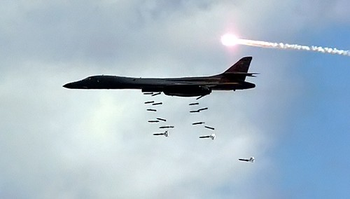 Airplane picture - B-1 Lancer - B-1 Releasing Bombs and Launching MJU-23 Decoy Flares