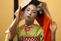 Kyomai, Maiko Takahina #3 (Onihide) Tags: japan kyoto candid maiko hanamachi kyomai gionkobu takahina  eos5dmkii