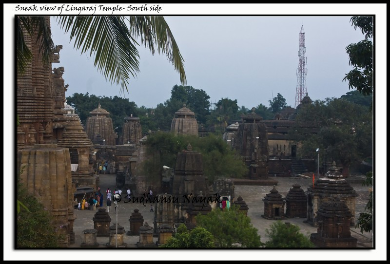 Sneak view of Lingaraj Temple-South side