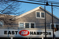East Hampton IGA (taberandrew) Tags: ny newyork retail commerce supermarket grocerystore iga easthampton suffolkcountyny