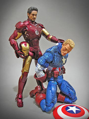 Hot Toys_Ironman_Marvel_Icons_Captain_America (Zelevol) Tags: icons ironman civilwar 16 12 marvel captainamerica tonystark mkiii mark3 steverogers hottoys directorofshield